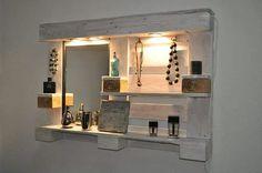 Beauty pallet #diy #mirror #wall