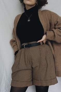 A Determined Taurus on a Mission ! — Fall outfits Adrette Outfits, Retro Outfits, Cute Casual Outfits, Fall Outfits, Vintage Outfits, Teen Fashion Outfits, Simple Outfits, Aesthetic Fashion, Aesthetic Clothes
