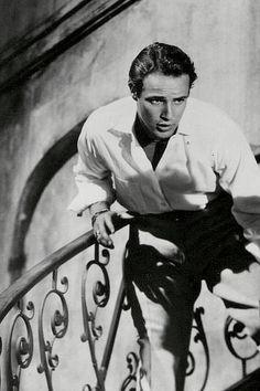 Marlon Brando in A Streetcar Named Desire - 1951 Hollywood Men, Vintage Hollywood, Hollywood Stars, Classic Hollywood, Marlon Brando, Lauren Bacall, Cary Grant, James Dean, El Divo