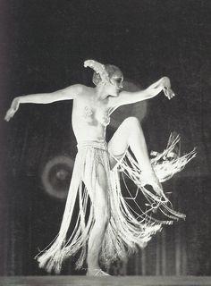 Brigitte Helm inMetropolis (Fritz Lang, 1927) Metropolis Fritz Lang, Metropolis 1927, Asia Argento, Vintage Burlesque, 10 Year Old, 10 Years, Sci Fi Movies, Movie Tv, I Saw