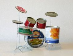 When life gives you cans, make a drum set!