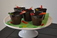 old school flashback. Mom used to make us a beach version with vanilla pudding and nilla wafers since we were allergic to chocolate Bug Party Food, Dirt Dessert, Dirt Cups, Healthy Halloween, Birthday Kids, Hungry Caterpillar, Cooking With Kids, No Bake Desserts, Party Cakes