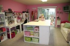 pink craft rooms | love the pink!