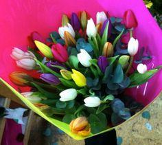 Ramo de tulipanes multicolor. #regalaflores