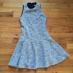 Banana Republic tweed dress Adorable tweed dress by Banana Republic. Has a slightly flared skirt and an exposed zipper in the back. Great condition except for a slight snag at the bottom of the zipper (pictured - not noticeable). Fits true to size - definitely for a tiny girl! Banana Republic Dresses