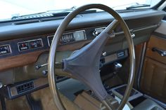 1976 International Scout interior. This one was restored to classic original. Is this what I want?