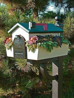 Amazing diy letter boxes for your home - DIY Zero Mailbox Planter, Mailbox Garden, Diy Mailbox, Mailbox Landscaping, Mailbox Post, Mailbox Ideas, Landscaping Ideas, Diy Letter Boxes, Diy Letters