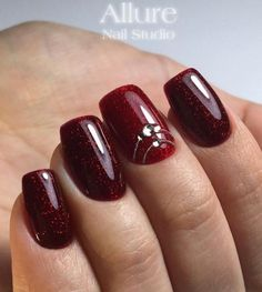 25 Burgundy Nail Art Ideas Thats Clever and Cultured - Frisuren einfach Burgundy Nail Polish, Burgundy Nail Designs, Colorful Nail Designs, Nail Art Designs, Red Nail, Red Stiletto Nails, Red Acrylic Nails, Hair And Nails, My Nails