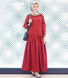 Abaya Fashion, Modest Fashion, Fashion Dresses, Muslim Dress, Hijab Dress, Simple Dresses, Casual Dresses, Moslem Fashion, Mein Style