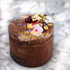 bulutağacı: Karaorman Pasta / Vişne ve Çikolatalı Doğumgünü Pastası Easy Cake Recipes, Tart, Panna Cotta, Wedding Cakes, Cherry, Birthday Cake, Pudding, Chocolate, Cooking
