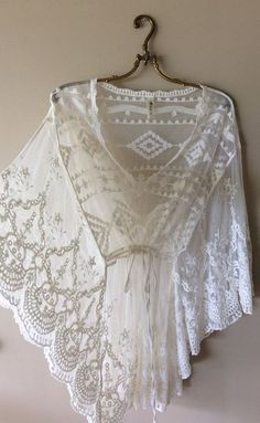 Vintage Clothes Image of Sale BEACH Bohemian Made in Maui sheer lace Kaftan for beach walks - Browse all products in the Boho Gypsy Clothing category from Bohemian Angel. Boho Gypsy, Bohemian Beach, Bohemian Mode, Bohemian Style, Boho Kimono, Boho Dress, Lace Dress, Promenade Sur La Plage, Beachwear For Women