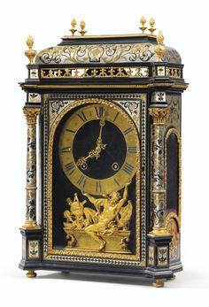 Pendule religieuse en marqueterie d'écaille, étain et laiton à monture de bronze doré d'époque Louis XIV, le cadran et le mouvement signés Gaudron A Paris