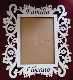 porta retrato mdf - Pesquisa Google                                                                                                                                                      More Wooden Crafts, Diy And Crafts, Paper Crafts, Laser Cut Wood, Laser Cutting, Photo Frame Design, Cnc Projects, Ornaments Design, Scroll Saw Patterns