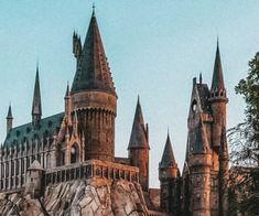 Harry Potter Places, Harry Potter Castle, Cover Harry Potter, Harry Potter Icons, Harry Potter Wizard, Harry Potter Artwork, Harry Potter Theme, Harry Potter Wallpaper, Harry Potter Aesthetic