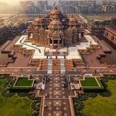 """What do you think about The Hindu Temple """"Akshardham""""? Architecture Antique, Indian Temple Architecture, India Architecture, Architecture Design, Temple India, Hindu Temple, Hindu India, Rajasthan India, Vacation Trips"""