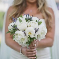 A summery, lavender-filled wedding in Colorado