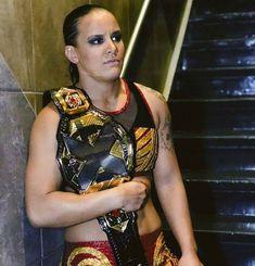 Shayna Baszler retain NXT Woman Champion against Nikki Cross at NXT Takeover: Chicago Women's Wrestling, Wrestling Superstars, Amazing Women, Beautiful Women, Shayna Baszler, Nxt Takeover, Queen Of Spades, Badass Women, Wwe Divas