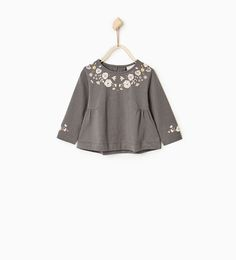 Image 1 of Floral top with birds from Zara Little Baby Girl, Little Girl Dresses, Girls Dresses, Little Fashion, Girl Fashion, What To Wear Fall, Baby Girl Pajamas, Pakistani Fashion Casual, Toddler Girl Style