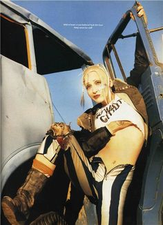 Lori Petty as Tank Girl photographed by David LaChapelle for The Face, June One of my favorite movies ever! Lori Petty, Tank Girl Cosplay, The Face Magazine, David Lachapelle, Thing 1, Poses, Girl Costumes, Look Cool, Wonder Woman