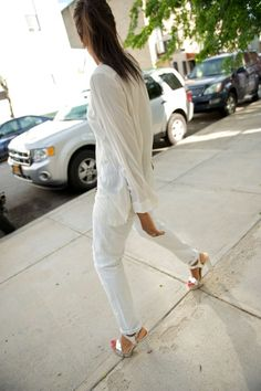 Fashion click blogger Karen Blanchard