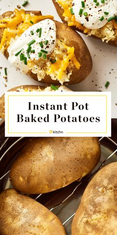 How To Make Potatoes in the Instant Pot - - Forget the oven! Instant Pot baked potatoes cook in a fraction of the time and have the same crave-worthy tender, ultra-creamy center. Making Baked Potatoes, How To Make Potatoes, Baked Potato Recipes, Fast Baked Potato, Russet Potato Recipes, Cook Potatoes, Stuffed Potatoes, Parmesan Potatoes, Russet Potatoes