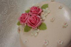 Pink cake | by elizabethscakeemporium