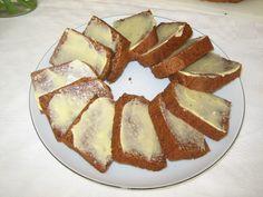 Honningkage har rødder tilbage til middelalderen, hvor honning var almindeligt (men dyrt) sødemiddel.