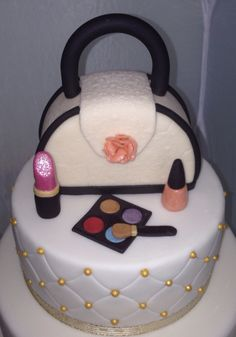 Fashion Handbag purse & makeup cake topper... All edible!