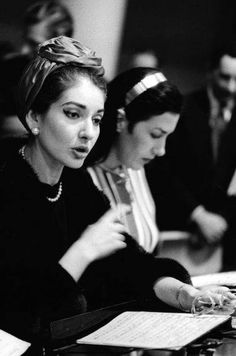 Opera singer Maria Callas studying her score Maria Callas, Divas, Russian Wedding, Hero's Journey, Opera Singers, Portraits, Star Wars, Classical Music, Role Models