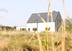 Samowola budowlana w 2020 roku – jak uniknąć kary za samowolę budowlaną? Shed, Outdoor Structures, Cabin, House Styles, Home Decor, Decoration Home, Room Decor, Cabins, Cottage