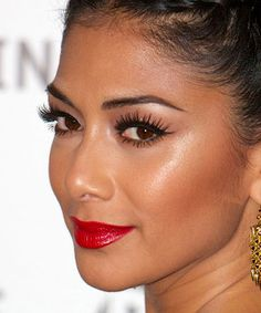 4 gorgeous beauty moves you can steal from this lovely picture of nicole scherzinger