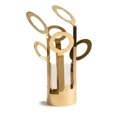The Fanny vase for Klong - Ami arkitekter Photo: Royal Design Royal Design, Copper And Brass, Wow Products, Mini, Home Accessories, Gold Rings, Objects, Place Card Holders, Symbols