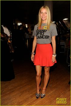 Stand Up To Cancer style, courtesy of Gwyneth Paltrow.