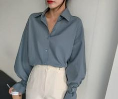graue Sonne 🔆 Look Stil Mode Mode Look Bluse gr. Blue Fashion, Look Fashion, 90s Fashion, Fashion Outfits, Womens Fashion, Fashion Ideas, Fashion Styles, Feminine Fashion, Dress Fashion