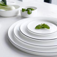 Als zwart en wit je favoriete kleuren zijn, is dit Ligne Noir servies van ASA Selection jouw droomservies! Maar ook als je van stijlvol dineren houdt en thuis nét zulke lekkere en vooral mooie gerechten kunt maken als een ware chef. Start cooking!
