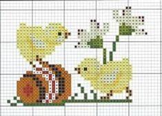 sneeuklokjes met kuiken: Cross Stitch Love, Beaded Cross Stitch, Cross Stitch Animals, Cross Stitch Embroidery, Cross Stitch Patterns, Broderie Simple, Easter Cross, Plastic Canvas Patterns, Cross Stitching