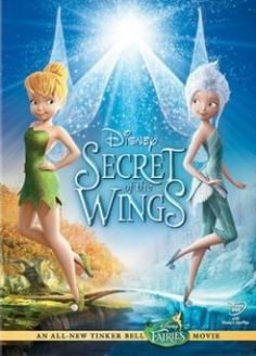 Film Tinkerbell Secret Of The Wings Full. Tinkerbell wanders into the forbidden Winter woods and meets Periwinkle. Together they learn the secret of their wings and try to unite the warm fairies and the winter fairies to help Pixie Hollow. Tinkerbell Movies, Disney Fairies, Tinkerbell Doll, Disney Films, Disney Characters, Secrets Disney, Em Breve Nos Cinemas, Secret Of The Wings, Mae Whitman