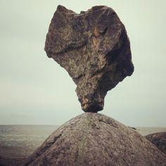 Cuori di pietra in equilibrio per te: Le Tombe