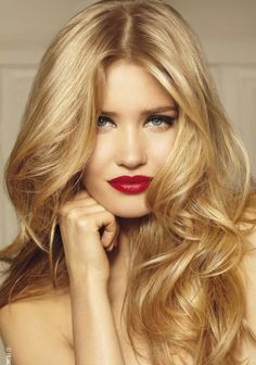 #blonde #longhair #hairstyle #hairenvy #wavy #waves #curly #curls #glam #glamorous #beauty #bbloggers #redlips #makeup #inspiration