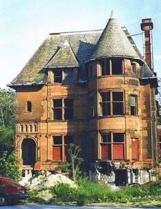 Abandoned -Brush Park- Detroit , MI