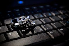 His and Her wedding rings <3