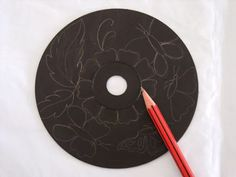 Brilliant DIY Idea To Recycle Your Old CDs - DIY Craft Projects