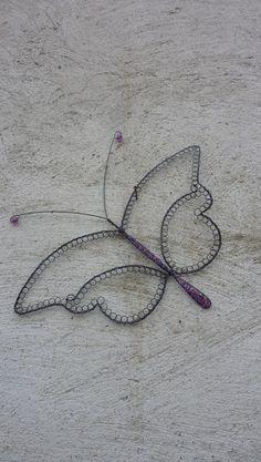 závěsná šperkovnice-motýl