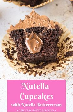 Nutella Cupcakes with Nutella Buttercream Recipe for Nutella cupcakes made from scratch. They're filled with Nutella and topped with Nutella buttercream. If you love chocolate and hazelnut you'll love this dessert! Nutella Cupcakes, Nutella Brownies, Nutella Buttercream Frosting, Cupcakes Amor, Homemade Chocolate Cupcakes, Nutella Cookies, Homemade Desserts, Köstliche Desserts, Yummy Cupcakes