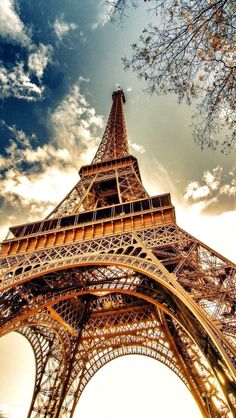 """( France) My dad brought me to Paris when I little, as he would take me to many places like Rome, Albania, Cuba. My favourite memory was with Paris as it had a great """"tourist"""" feel. Paris Torre Eiffel, Paris Eiffel Tower, Eiffel Towers, Torre Effiel, Eiffel Tower At Night, Oh The Places You'll Go, Places To Visit, Paris Wallpaper, Europe Wallpaper"""