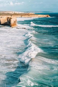 The waves of the ocean r one of the most beautiful things in the world No Wave, Water Waves, Sea Waves, Sea And Ocean, Ocean Beach, Sky Sunset, Landscape Photography, Nature Photography, Photography Tips