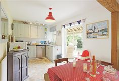 Peter Duck is cosy and contemporary. Located within the heart of Southwold, it has easy access to the shops and the beach. Valance Curtains, Cottage, Contemporary, Home Decor, Homemade Home Decor, Casa De Campo, Valence Curtains, Cabin, Cottages