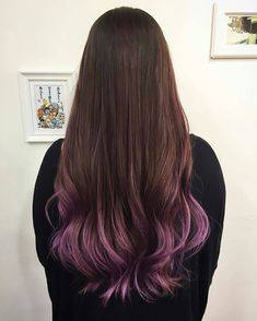 A hint of purple at the ends of your hair! The gradient of the warm brown and lilac, color designed by Hair Salon NALU, Tokyo.