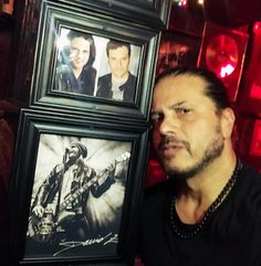 "954 kedvelés, 15 hozzászólás – JEFF SCOTT SOTO (@jeffscottsotoofficial) Instagram-hozzászólása: ""Forgot to post this last week, a nice tribute at the @rainbowbarandgrill for our @david_z_rock, so…"""