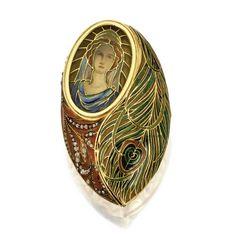 Art Nouveau Gold, Plique-à-Jour Enamel and Diamond Pill Box, Circa 1900  | Sotheby's